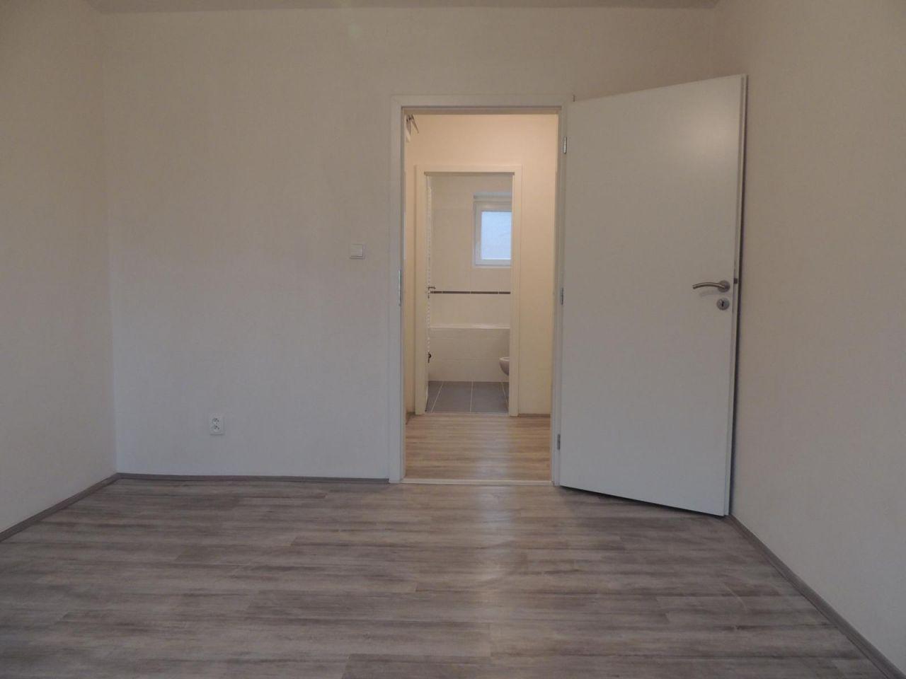 Pronájem bytu 2+1 48 m2, ul. Glazkovova 1671/8, Ostrava - Zábřeh