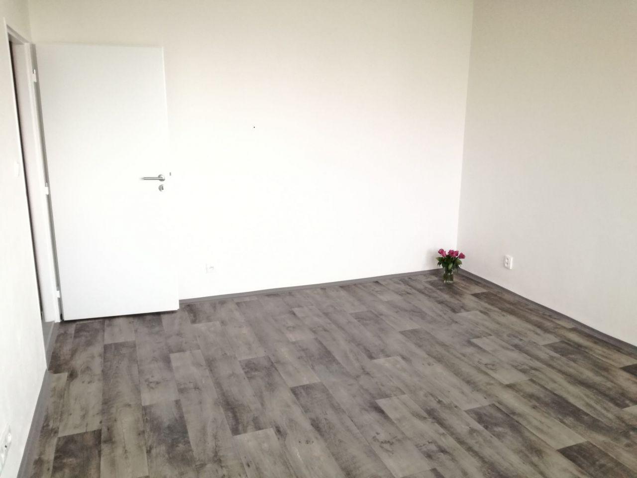 Pronájem bytu 2+1 50 m2, ul. Podroužkova 1661/29, Ostrava - Poruba